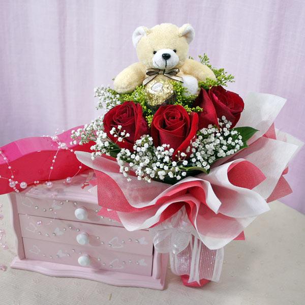 3 Roses With Teddy Bear